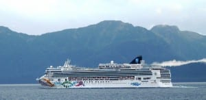 The cruise ship Norwegian Pearl sails south through Chatham Strait Sept. 26 on its final voyage of the season. (Ed Schoenfeld/CoastAlaska News)