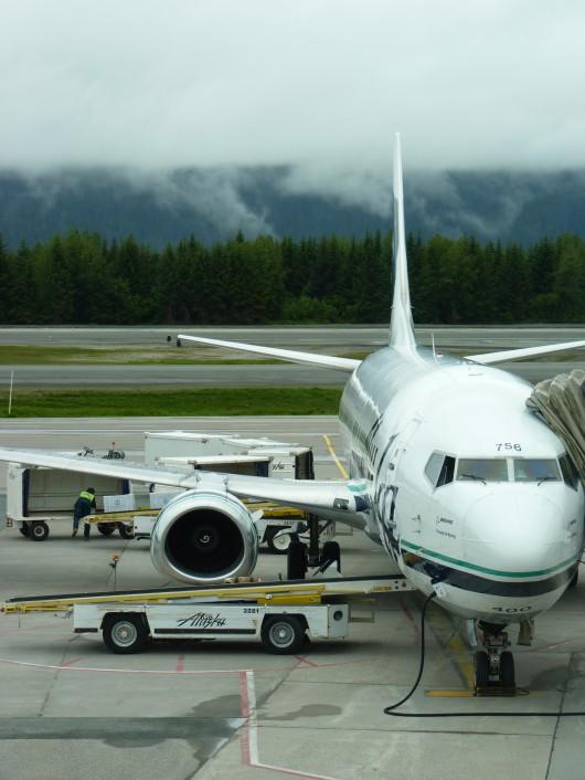 Computer crash delays Alaska flights