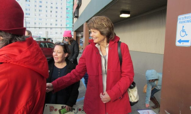 Murkowski discusses Trump administration, meets demonstrators