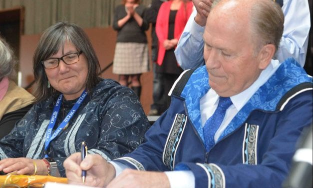 Alaska and its tribes sign child services compact