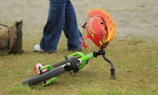 Ten-year-old organizes kid's bike race to promote healthy lungs